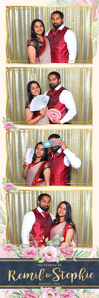 Alsolutely Fabulous Photo Booth 032143.jpg