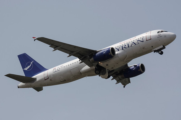 YK-AKA - Airbus A320-232