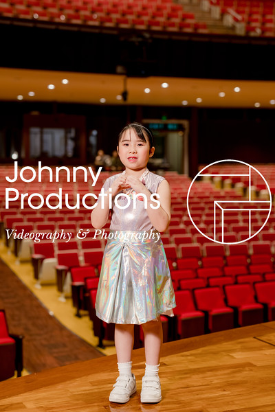 0081_day 1_orange & green shield portraits_red show 2019_johnnyproductions.jpg