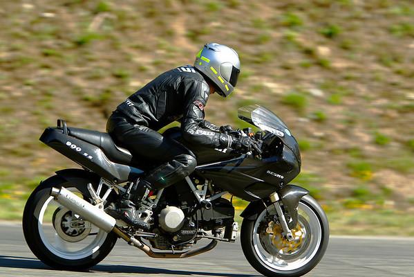 Ducati Desmo - Black