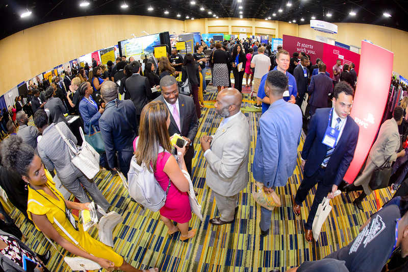 Career Expo & Networking Lounge - 039.jpg