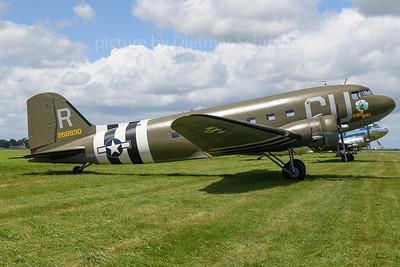 N45366 Douglas DC3