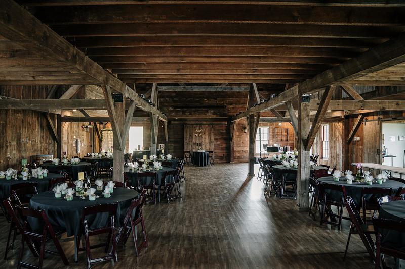 rustic_ohio__fall_barn_wedding-147.jpg