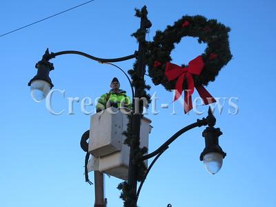 11-21-16 NEWS Defiance wreaths
