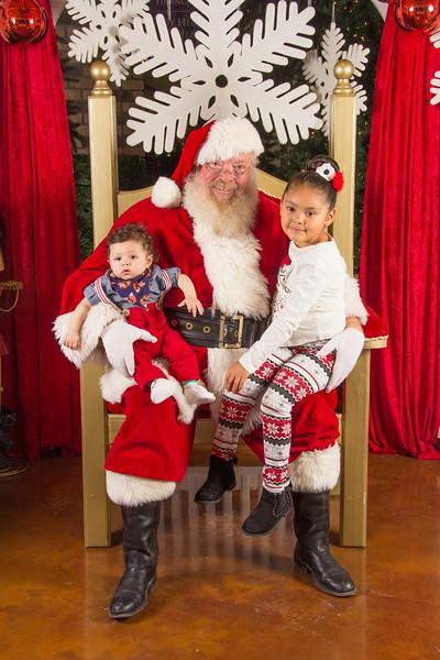 Santa 12-16-17-227.jpg
