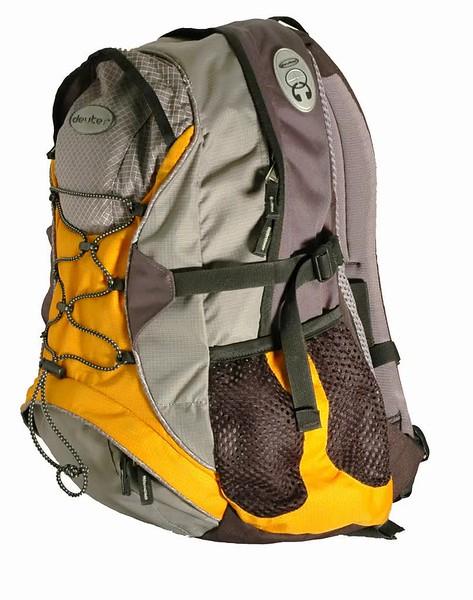 backpack_single_807x1024.mp4