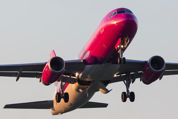HA-LWS - Airbus A320-232