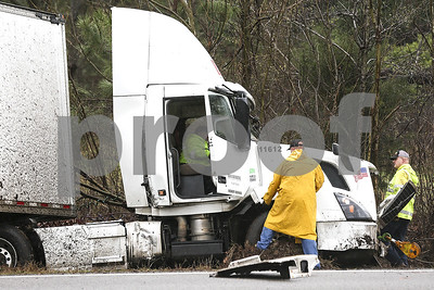 wreck-involving-tractor-trailer-shuts-down-part-of-highway-69-another-crash-occurs-at-the-scene-shortly-afterwards