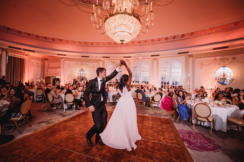Montreal Wedding Photographer | Wedding Photography + Videography | Ritz Carlton Montreal | Lindsay Muciy Photography Video |2018_756.jpg