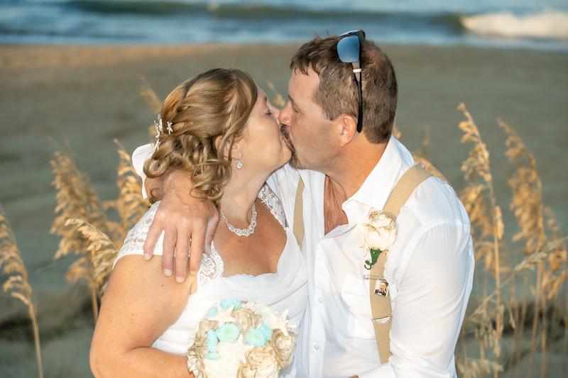 VBWC KWOO 09212019 Wedding Image #148 (C) Robert Hamm.jpg