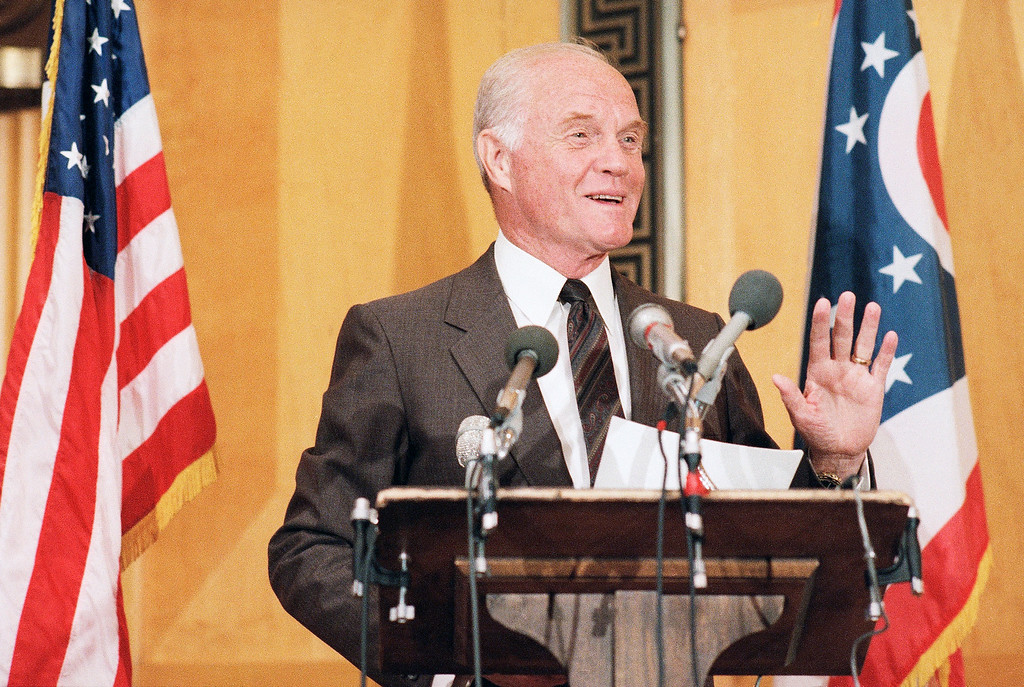 . Former astronaut and now Sen. John Glenn (D-Ohio), holds a Capitol Hill news conference on June 10, 1986 in Washington. Glenn said the Rogers Commission report was done well and should be a model for future presidential report. (AP Photo/Lana Harris)