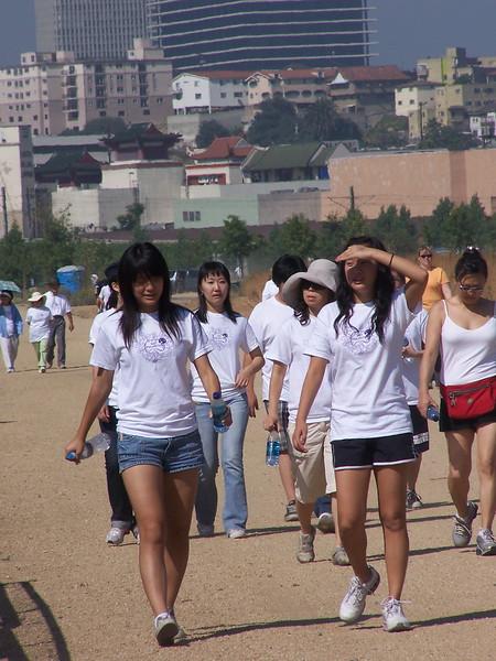2008-06-14_PeopleInWhiteShirts_6591.JPG