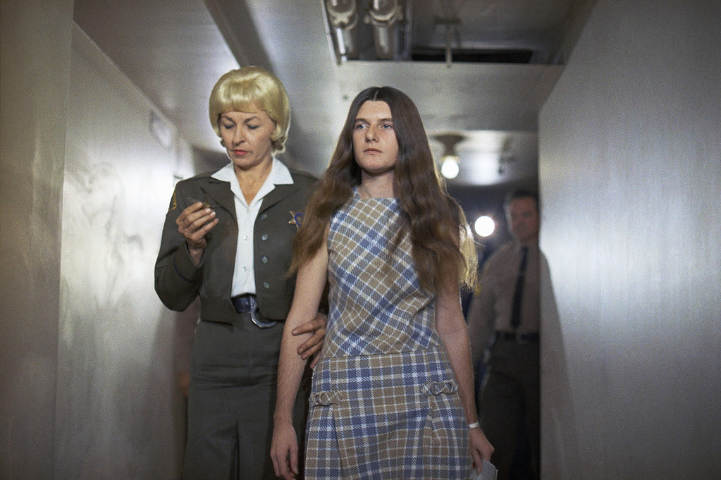 . Patricia Krenwinkel, a defendant in the Tate murder case, enters the Los Angeles superior court for arraignment, which was postponed, Feb. 24, 1970.  (AP Photo/George Brich)