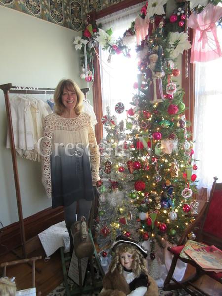 11-17-16 NEWS henry christmas