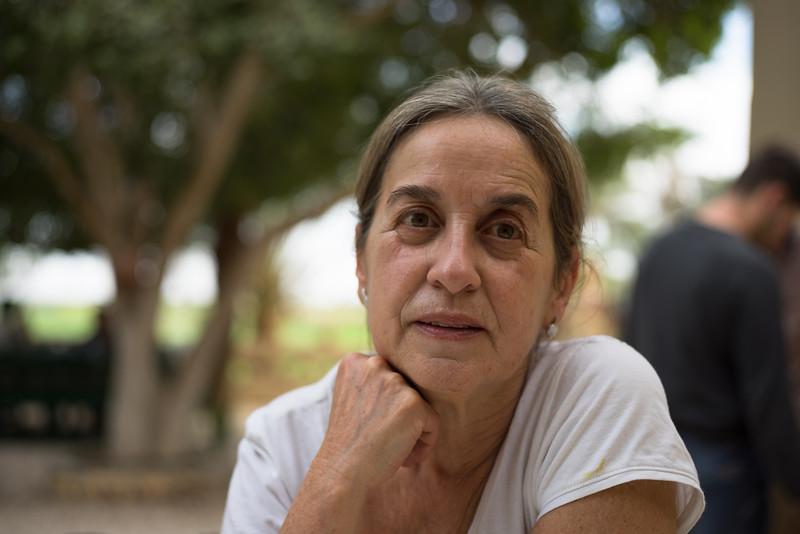 Celia en el patio del hotel Marsam