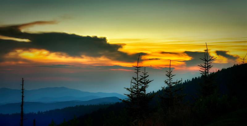 ClingmansDome-sunset-silohette.jpg