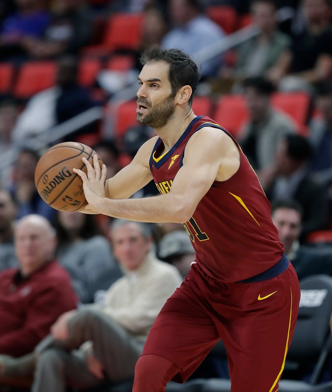 . Cleveland Cavaliers guard Jose Calderon passes during the second half of an NBA basketball game against the Detroit Pistons, Monday, Nov. 20, 2017, in Detroit. (AP Photo/Carlos Osorio)