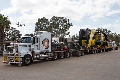 Australian Heavy Haulage - World's largest wheel loader - Guinness World Record LeTourneau L-2350