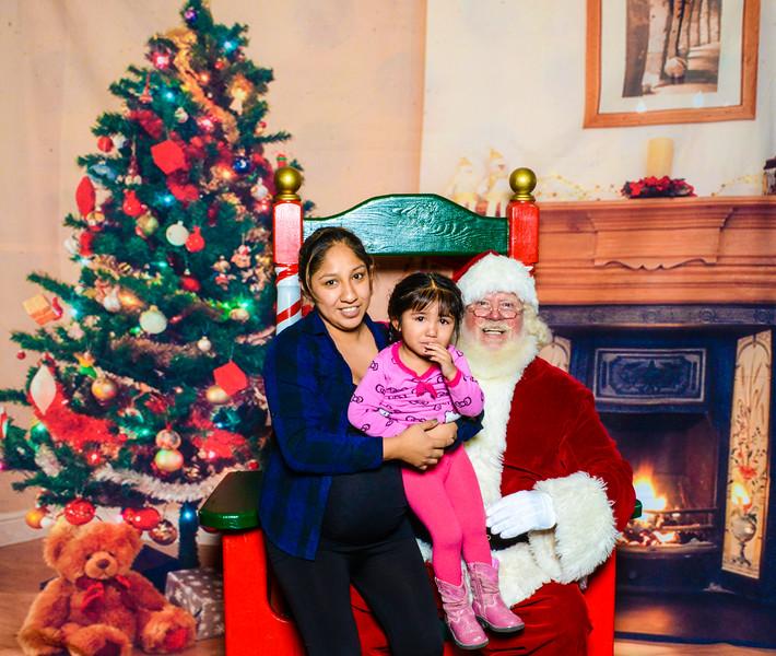 Santa Elmore 2016-12159.jpg