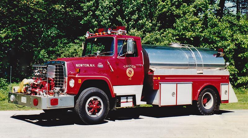 Before Refurb   Tanker 4   1983 Ford / 4 Guys   1000 / 2000