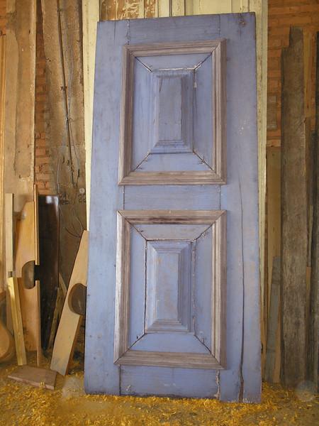 20-Z61 Doors DBL 2 cushions-2.JPG