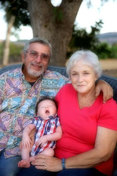 IMG_2900_Rudy and Linda Romero And Newborn Medel.jpg