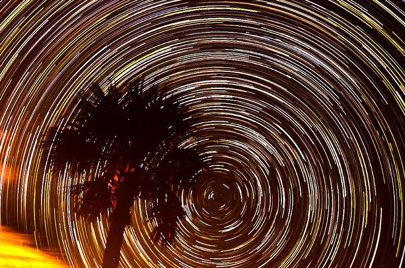 Star Trail Melb beach.jpg