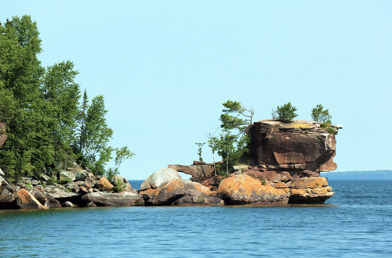 The Islands' lovely rock outcroppings.