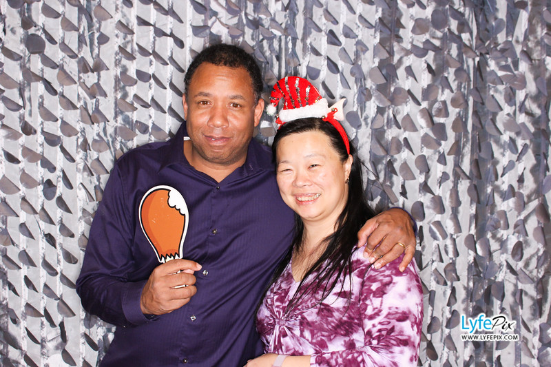 red-hawk-2017-holiday-party-beltsville-maryland-sheraton-photo-booth-0277.jpg
