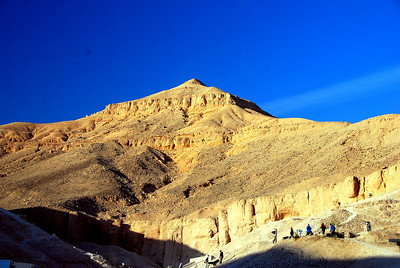 7.a VALLEY OF THE KINGS