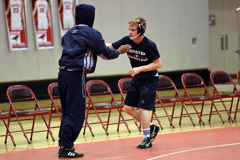 wrestling_9952.jpg