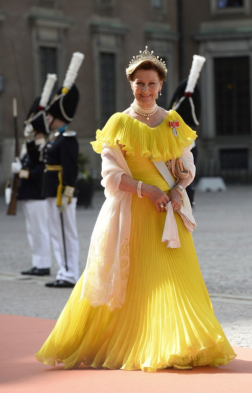 . Queen Sonja of Norway arrives for the wedding of Sweden\'s Crown Prince Carl Philip and Sofia Hellqvist at Stockholm Palace on June 13, 2015. AFP PHOTO / JONATHAN NACKSTRAND/AFP/Getty Images