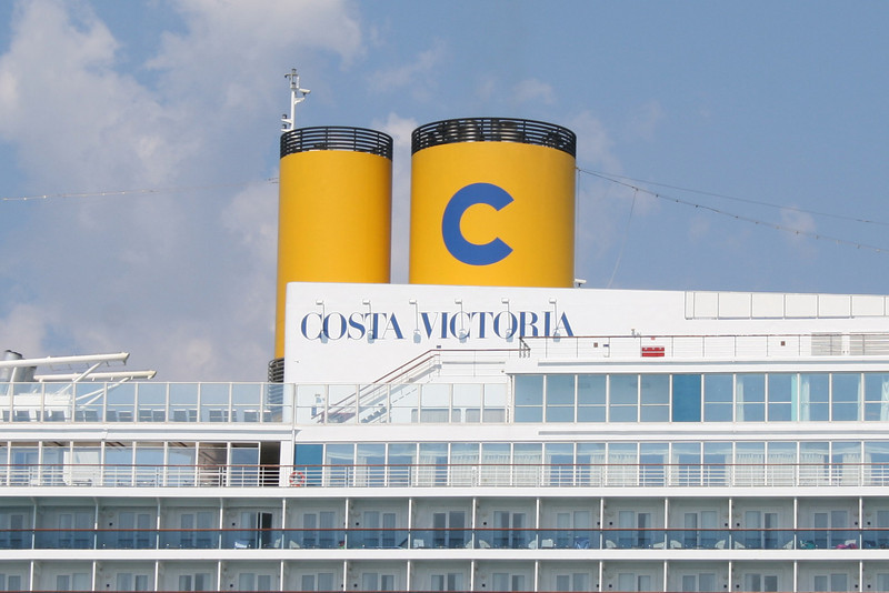 M/S COSTA VICTORIA : the funnels.