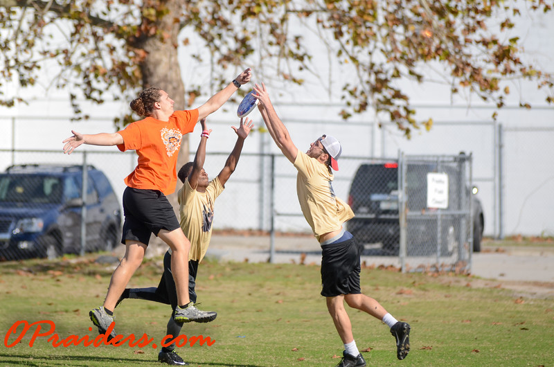 OP vs. Oakleaf: Ultimate Frisbee