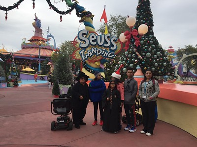 2016-12_Disney Trip (Pops Cell)