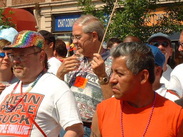 Pride Parade 2001-64-1.jpg