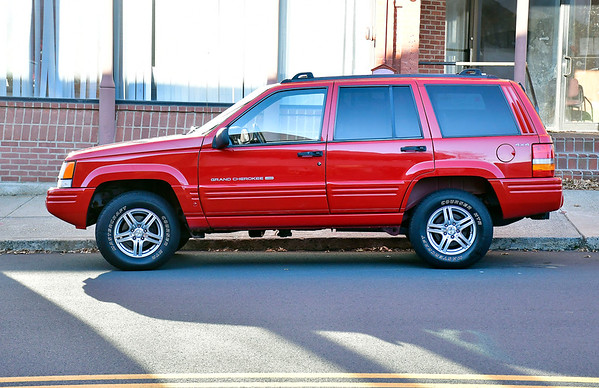 11/6/2019 Mike Orazzi | StaffrA mint 98 Jeep Grand Cherokee with 215,000 miles on it.