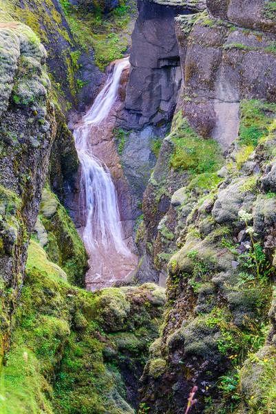 Waterfall Fjaðrárgljúfur
