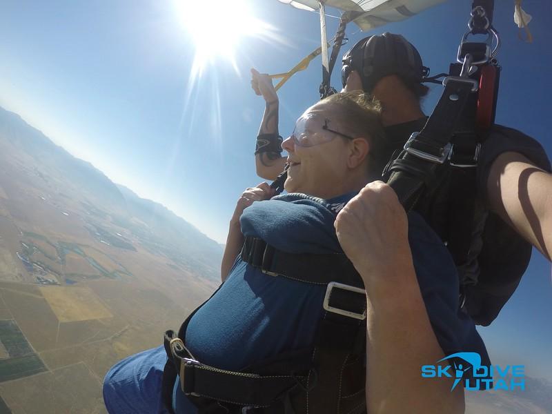 Lisa Ferguson at Skydive Utah - 90.jpg