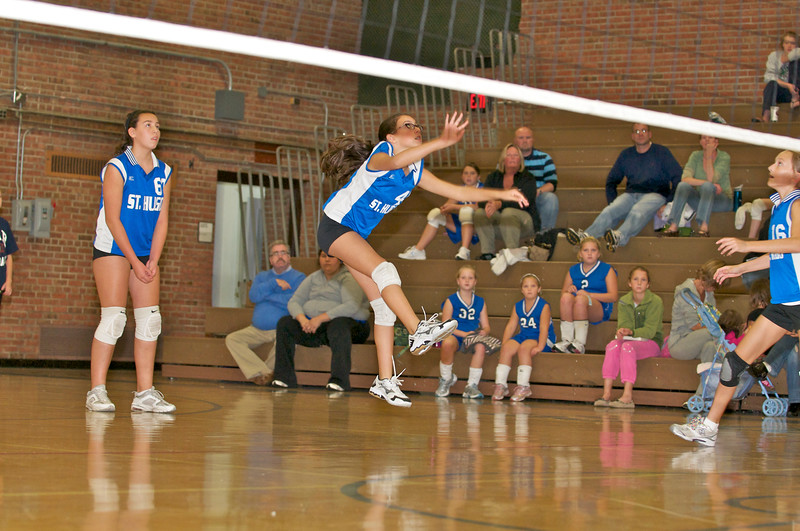 Hugo 5th Grade Volleyball  2010-10-02  34.jpg