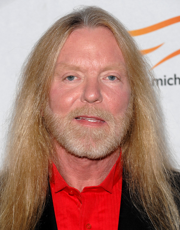 . Musician Gregg Allman attends a \'A Funny Thing Happened on the Way to Cure Parkinson\'s\' benefit evening for The Michael J. Fox Foundation for Parkinson\'s Research on Saturday, Nov. 21, 2009 in New York. (AP Photo/Evan Agostini)