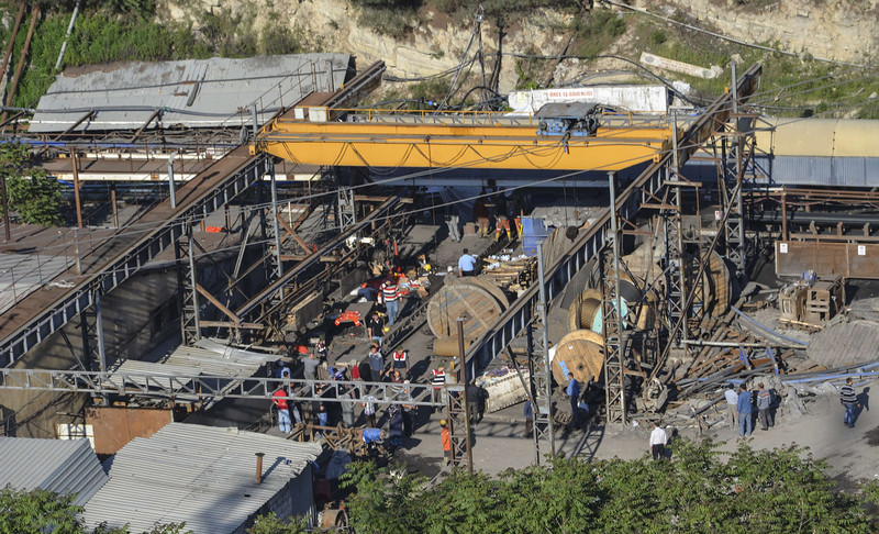 . People gather at a mine in the Soma district in the western Turkish province of Manisa on May 13, 2014, after it collapsed due to an explosion following an electric fault. (AFP PHOTO / IHLAS NEWS AGENCY/Getty Images)