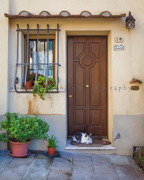 Casa Cat , Montepulchiano , Tuscany