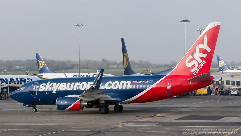 OM-NGB. Boeing 737-76N(WL). Sky Europe. Dublin. 170208.