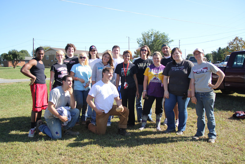 A UNIV 111 class spends their Saturday working on the Potato Project.