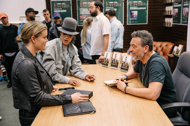 2019_2_28_TWOTW_BookSigning_SP_162.jpg