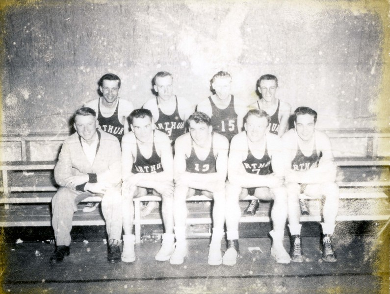 AR038.  Arthur High School basketball team.jpg