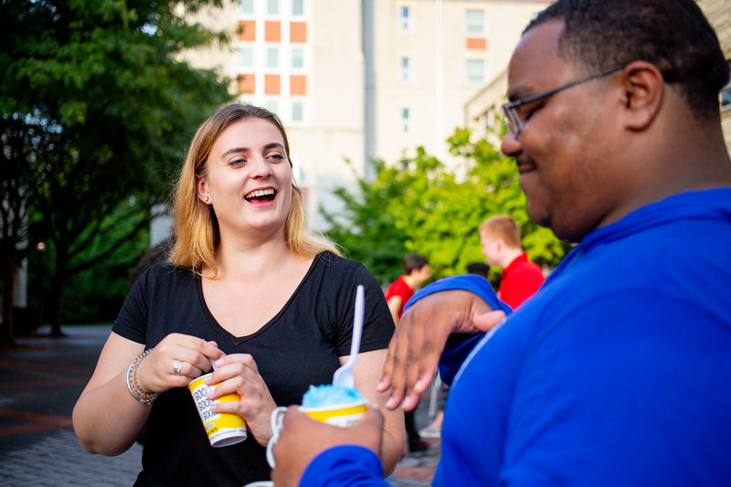 20190822_International Student Move in_Margo Reed Photo-28.jpg