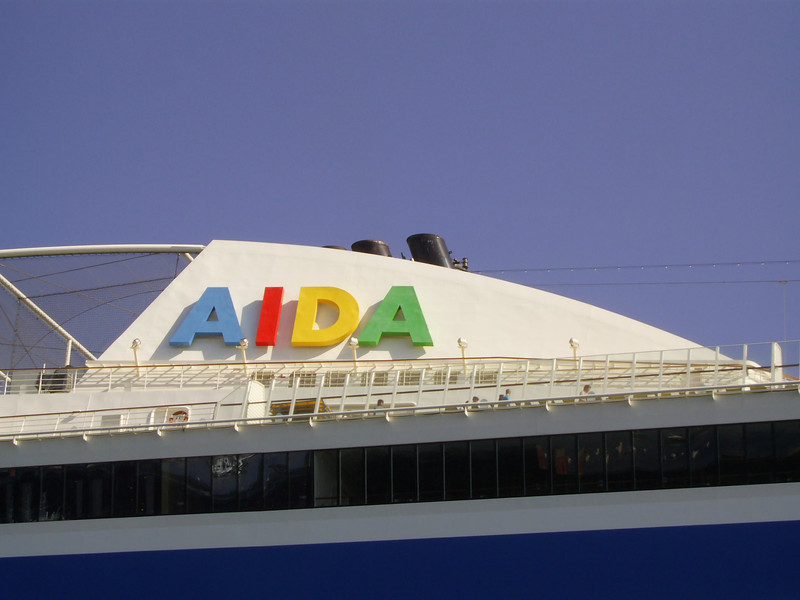 2010 - M/S AIDA BELLA : the funnel.