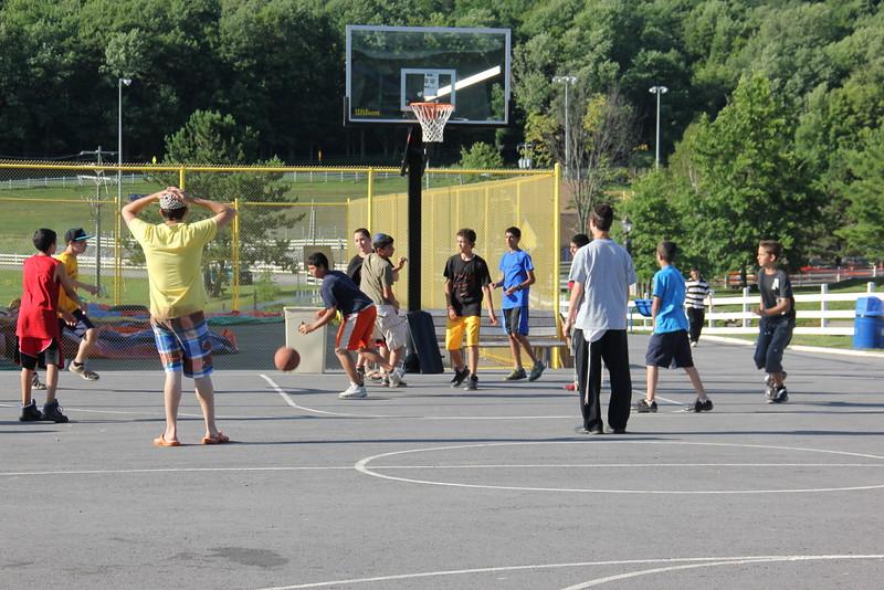 kars4kids_thezone_camp_boys_basketball (13).JPG